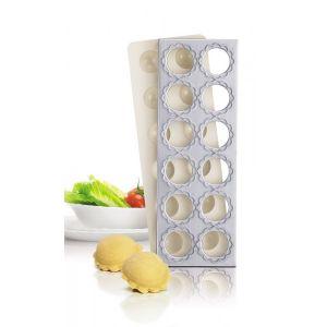 Planche raviolis par 12 avec plaque fon er le tellier for Casseroles et ustensiles culinaire